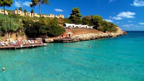 Le Cale d'Otranto Beach Resort : La Caletta principale e Le Vele (zone d'ombra)