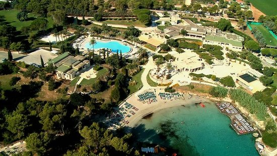 Le Cale d'Otranto Beach Resort : Foto aerea spiaggia, piscina e ristoranti