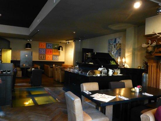 Grand Hotel Alkmaar : Breakfast room