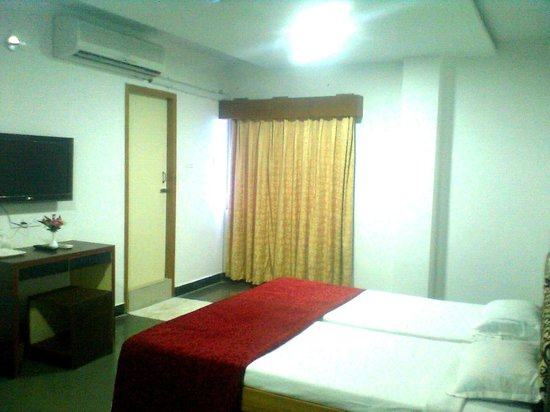 Alam Corporate Residency: EXECUTIVE ROOM