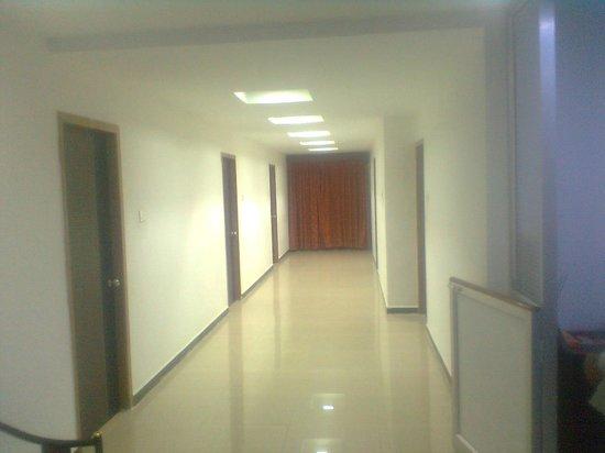 Alam Corporate Residency: FLOOR
