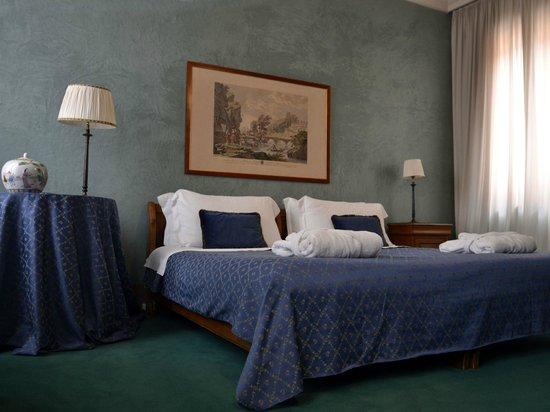Albergo Cappello Hotel Reviews 4e80fac9a2c7