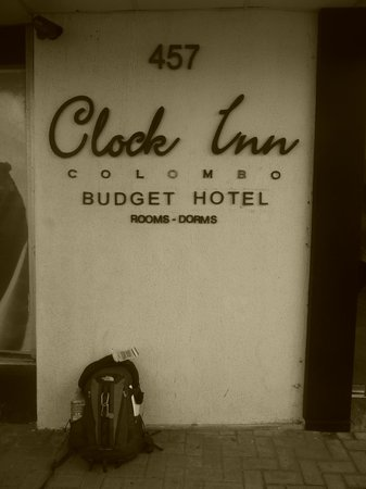 Clock Inn Colombo: SIgnage at the front