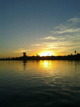 Al Baeirat Hotel: Sonnenuntergang am Nil