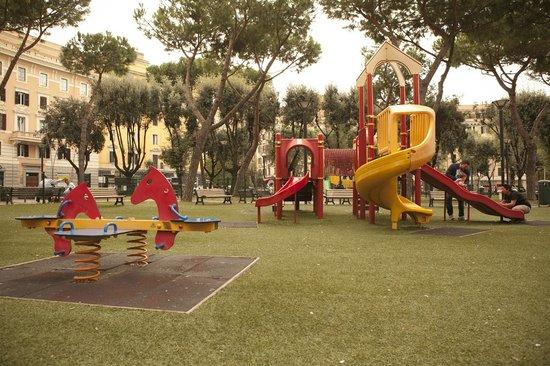 My Sunrise in Rome: parco giochi