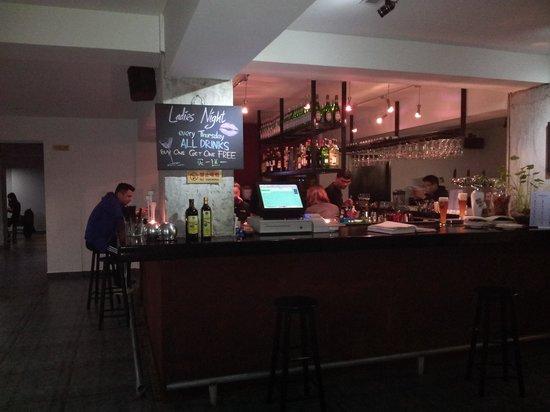 Bei Li Ni NanXiuCun: Bellini Downtown bar