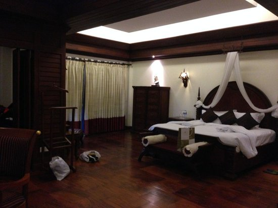 The Privilege Floor @Borei Angkor: bedroom at our suite