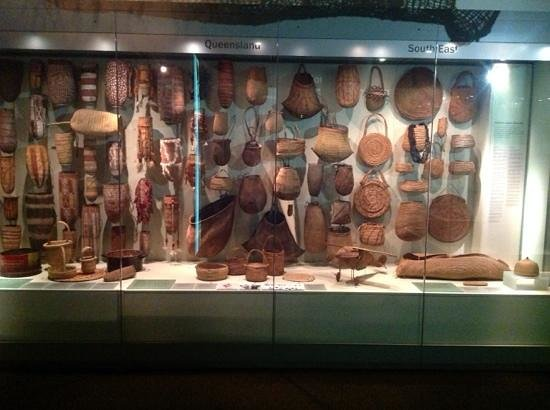 South Australian Museum: comprehensive displays
