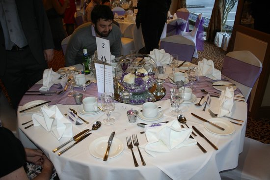 Best Western Hotel St Pierre: Beautifully laid out wedding breakfast table