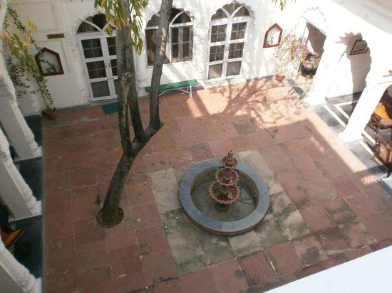 Rao Raj Vilas: Courtyard