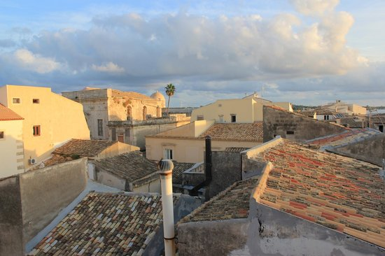 Aretusa Vacanze : rooftop terrace 2