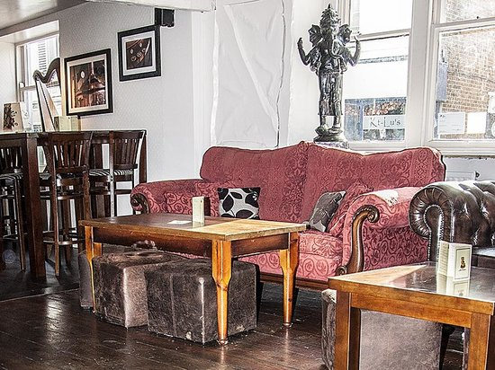 Sofa at the Old Auctioneer