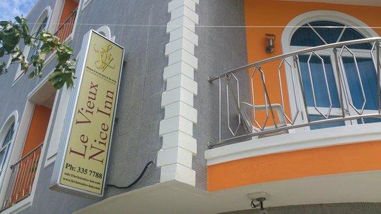Le Vieux Nice Inn : balcony