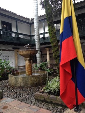 Museo de la Independencia Casa del Florero : The inner courtyard.