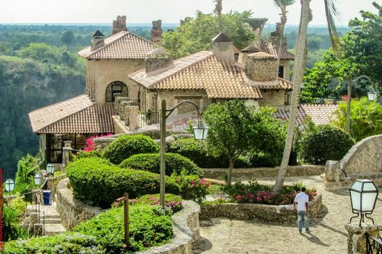Altos de Chavon: Village