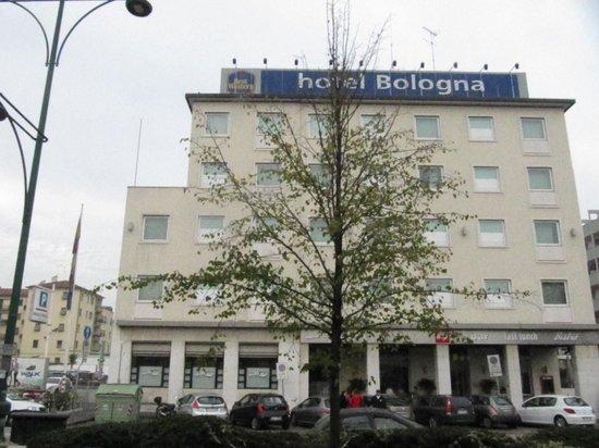 BEST WESTERN Bologna Hotel - Mestre Station: bologna hotel di fronte alla stazione treni con parcheggio