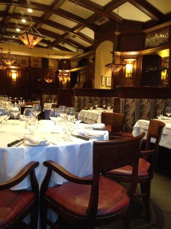 Hotel Palace Royal: Restaurant Le Beffroi steakhouse, à même l'hôtel