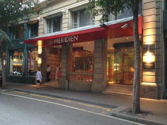 Le Meridien Barcelona: Entrance