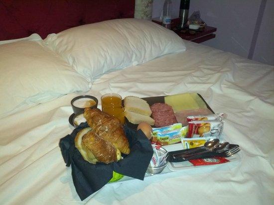 Imperium Suite Navona: Desayuno en la habitación