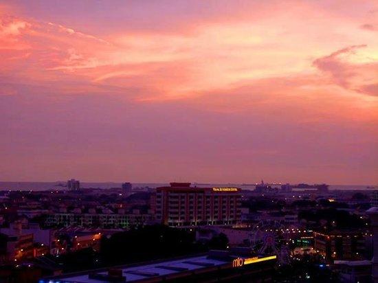 Bayview Hotel Melaka : Sunset