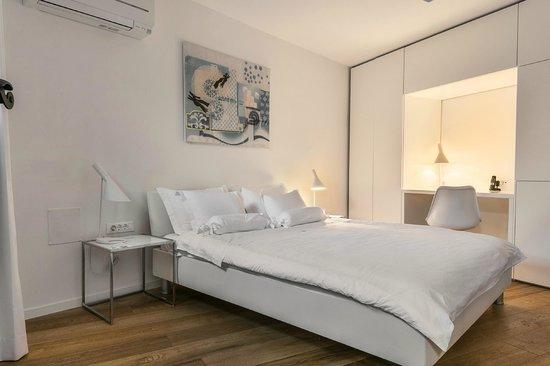 Divota Apartment Hotel: Superior double room 401