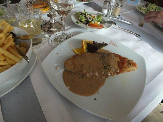 Hotel Zur Linde: Schnitzel