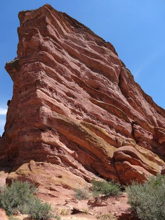 Red Rocks Park and Amphitheatre: Rock color an formation