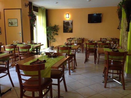 Chez Ly : Restaurant intérieur