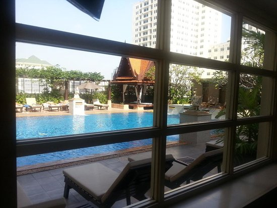 The Sukosol Hotel : Swimming Pool at 6th Floor