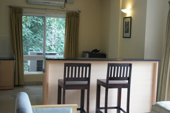 Droog House: suite dining area