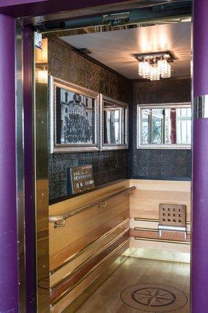 Freys Hotel Elevator