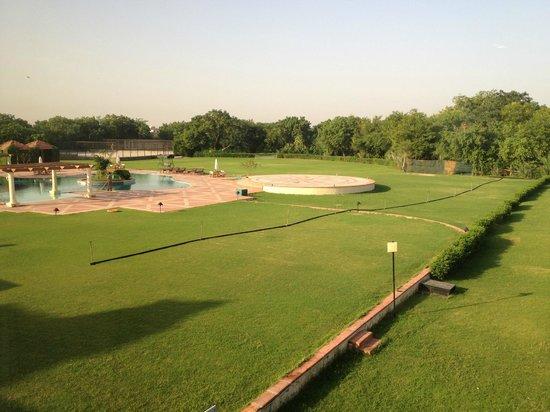 The Ummed Jodhpur: Veduta della piscina dalla camera