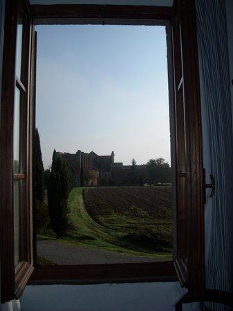 Agriturismo & Casale San Galgano: Veduta dell'abbazia dalla stanza numero 10