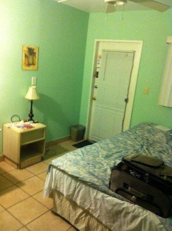 Seafarer Resort and Beach: Room with random furniture