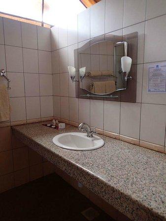 Sentrim Amboseli: Bathroom