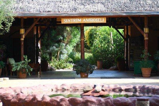 Sentrim Amboseli: Entrance