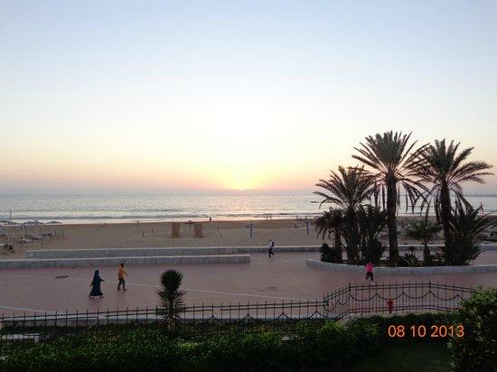 Seafront Promenade : Закат в ясный день