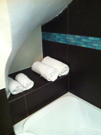 Hotel Etoile Pereire: bagno