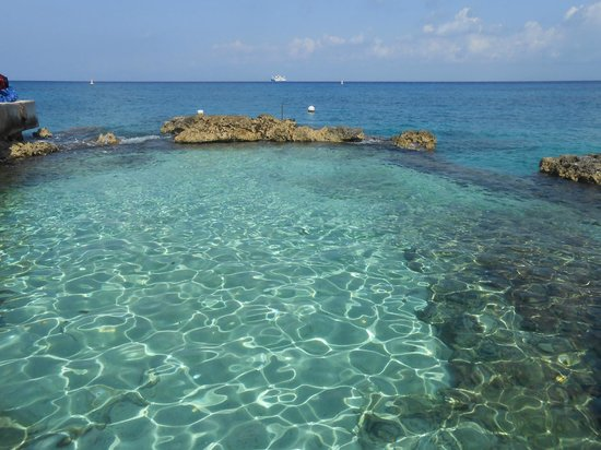 Hotel Cozumel and Resort: Area to enter/exit the water for snorkeling & diving.