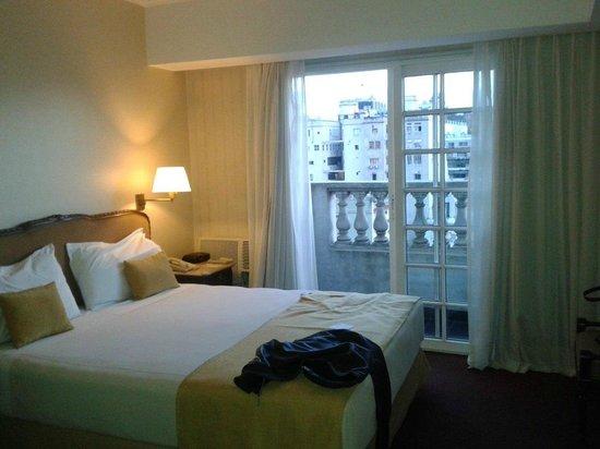 Aspen Towers Hotel: Habitación Amplia!