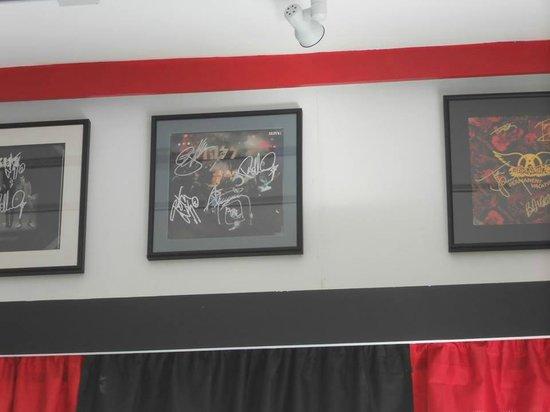 Retro Burger & Ice Cream: Autographed Kiss Alive Album