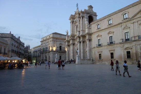 Casesicilia : Piazza Duomo