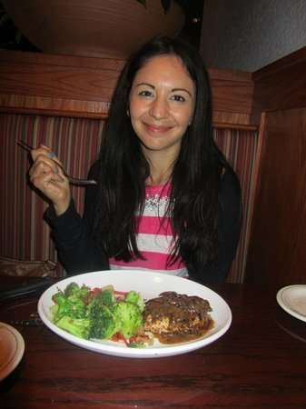 Carrabba's Italian Grill: Me pleased to be eating healthy food!