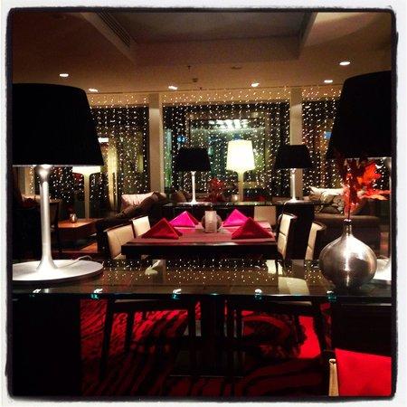 Radisson Blu Elizabete Hotel: Ресторан
