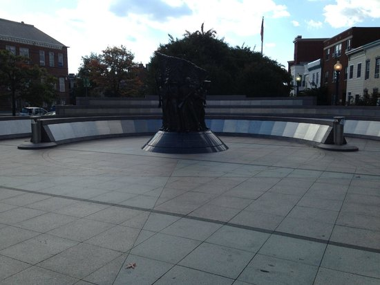 African American Civil War Memorial & Museum: Monument and plaques with names