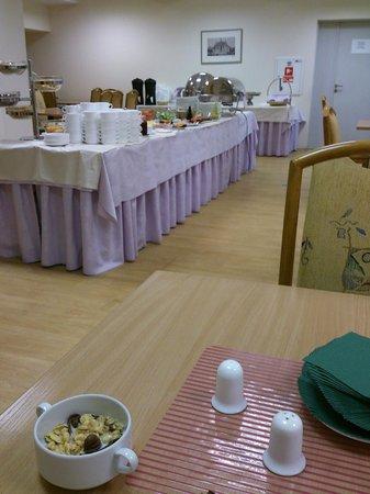 Ecotel Vilnius : Breakfast time