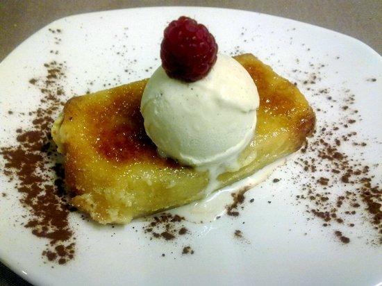 l'àlzumar restaurant: torrija caramelizada con helado de vainilla