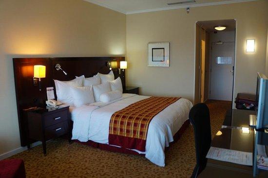 Budapest Marriott Hotel: bed room