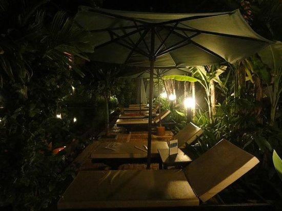 La Niche d'Angkor Boutique Hotel: Poolside