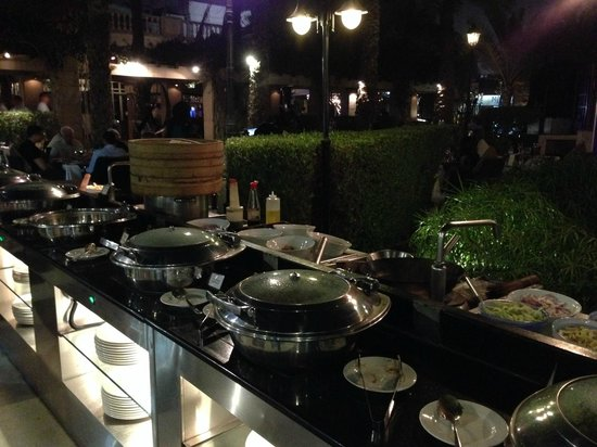 Meridien Village Terrace: Asian Night 2